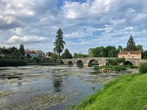 iphone-shot-of-river-at-bourdeilles-bourdeilles-france-copyright-2019-ralph-velasco